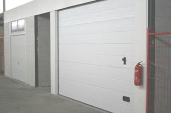 Afgemaakte unit met deur